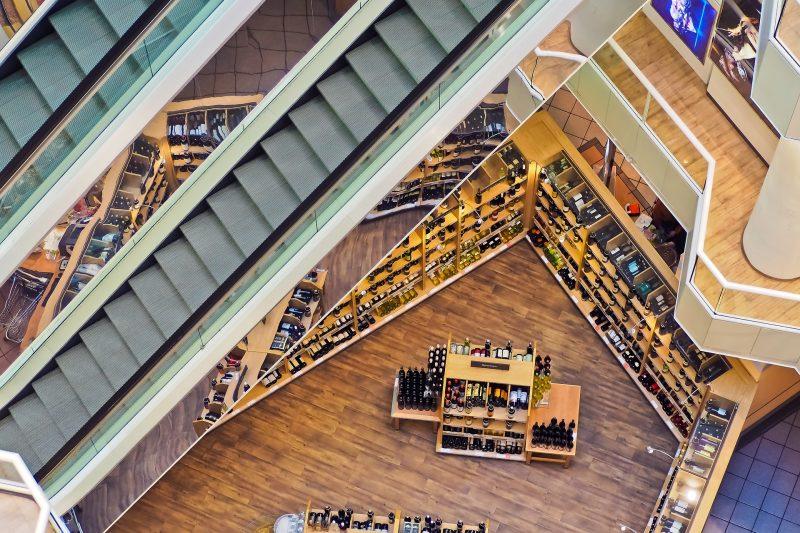 Ανοιχτά καταστήματα τις Κυριακές